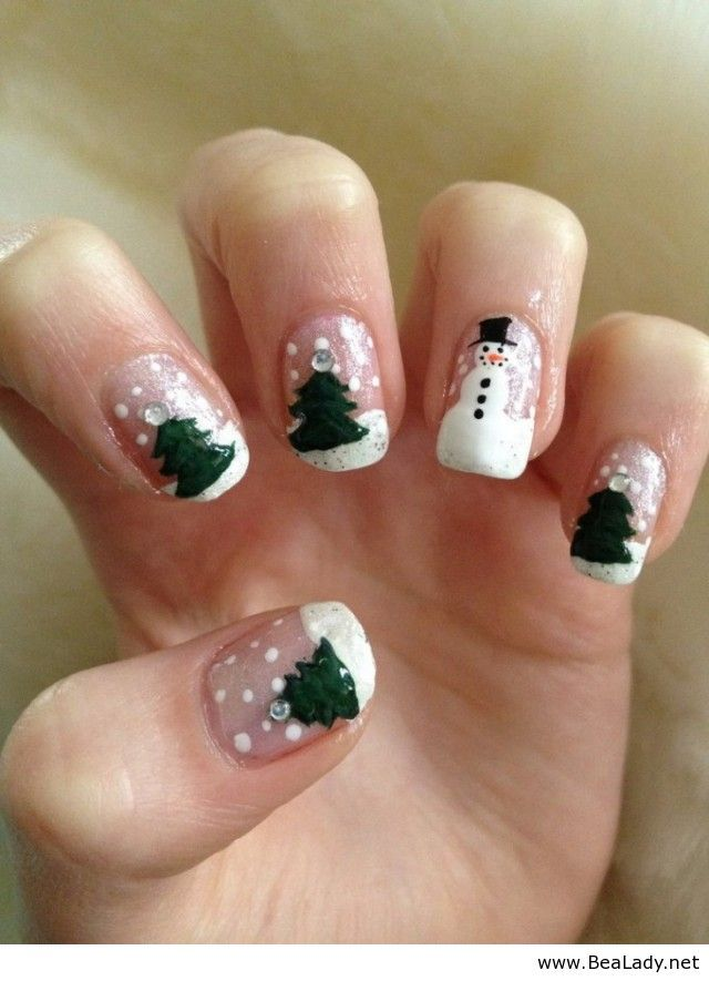 Gorgeous Christmas Nail Design