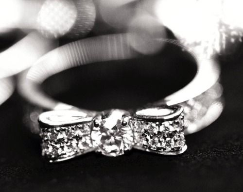 diamond. bow ring.Wedding Ring, Diamonds Rings, Bows Rings, Wedding Band, Bow Rings, Diamonds Bows, Chanel Bows, Engagement Rings, Fine Jewelry