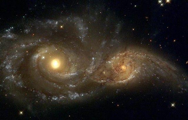 Telescopio espacial capta la fusión entre dos agujeros negros http://www.revistaexclusiva.com/?p=10295
