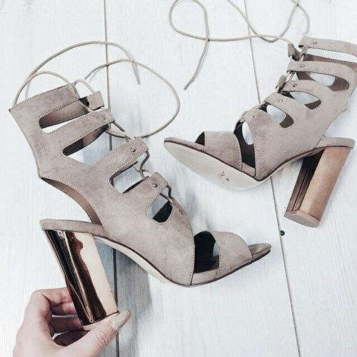 shoes, fashion, and heels resmi