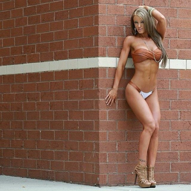 Haley Davis Pics - Ripped Fitness Model's Best 30 Pics!
