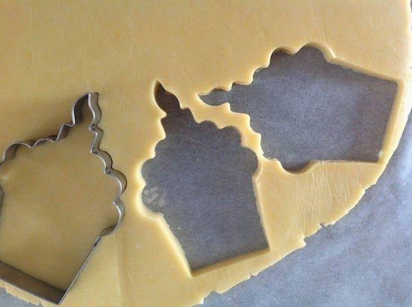 Aprenda a fazer massa de biscoitos para decorar | Creative