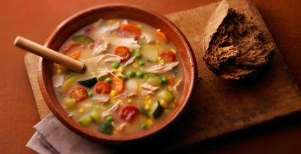 Winterse maaltijdsoep met kip