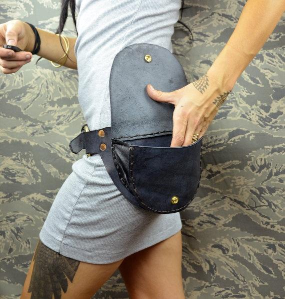 LARGE pocket belt - black leather utility fanny pack. via Etsy.
