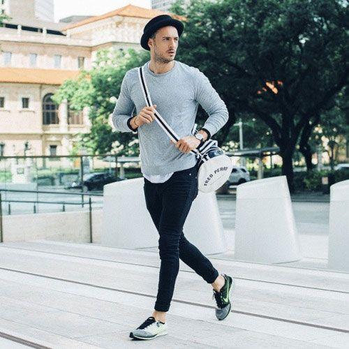 2015-10-08のファッションスナップ。着用アイテム・キーワードはカットソー・トレーナー, スニーカー, ハット, バッグ, 黒パンツ,Nike(ナイキ)etc. 理想の着こなし・コーディネートがきっとここに。  No:127419