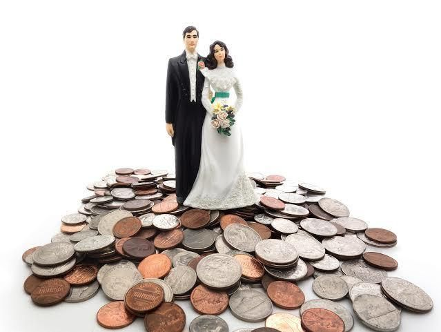 No money? No problem. Cheap ways to get married when you're young and broke
