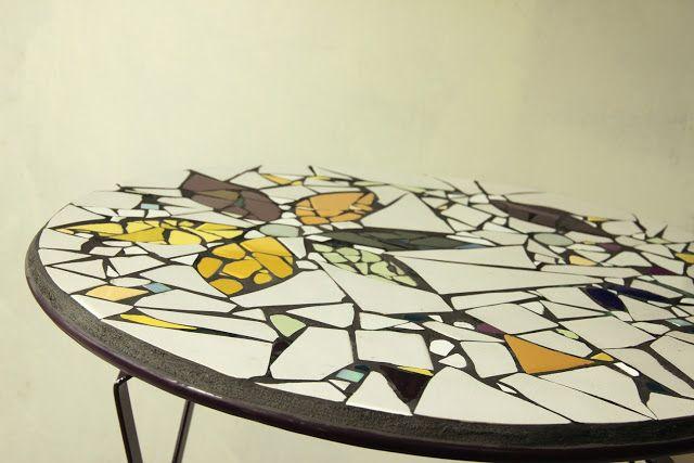 tiles and tables: gartentische und mosaike