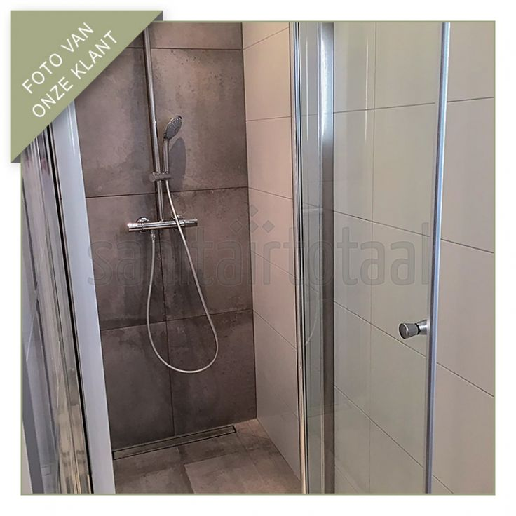 Draaideur douche kleine badkamer betonlook tegels foto 39 s van klanten pinterest kleine - Badkamer jaar ...