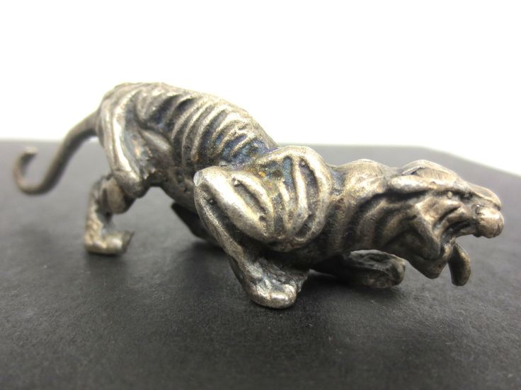 """Vintage Cougar Tiger Pewter Figurine 2 3/4"""" Long, Attacking Position, Long Tail"""