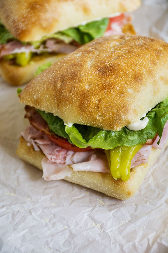 die besten 25 deli sandwiches ideen auf pinterest. Black Bedroom Furniture Sets. Home Design Ideas