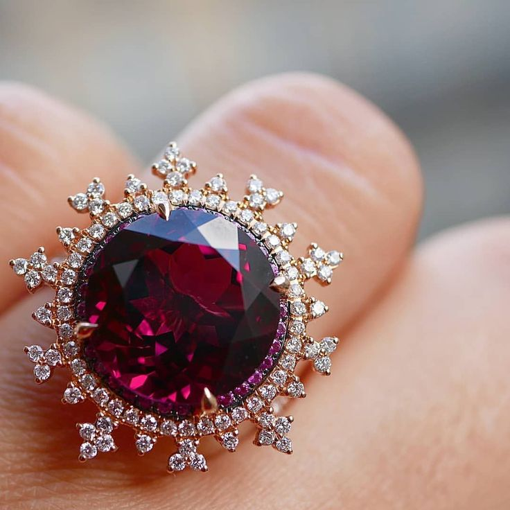 Nadine Aysoy Jewellery. Via ANETA BLASZCZAK (@blissfromparis) on Instagram: Dreamy Tsarina Fire Flake ring by @nadineaysoyjewellery set in rose gold with 7ct rhodolite, pink rhodolite, pink sapphires and framed by intricate diamond motif. Such a sweet and delicate snowflake halo on this deep garnet. #ring #blissfromparis