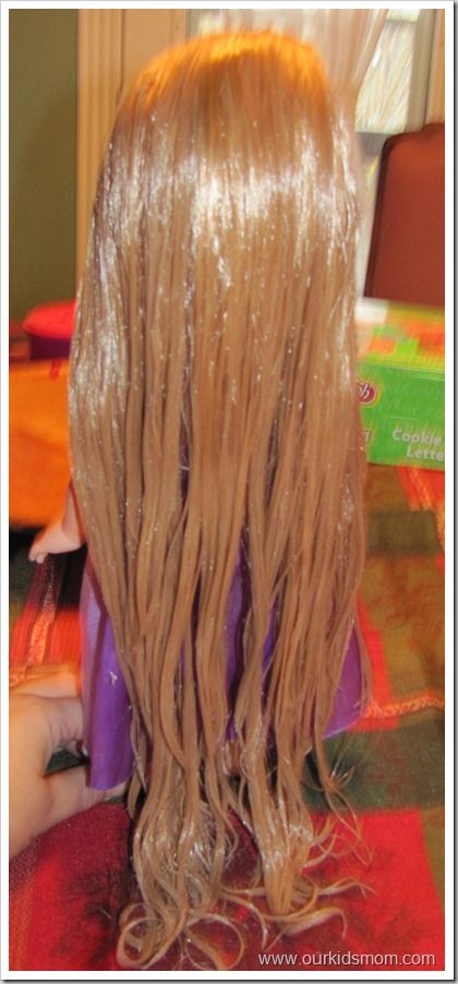 I never knew it could be so easy to make old-ratty doll hair look new again.