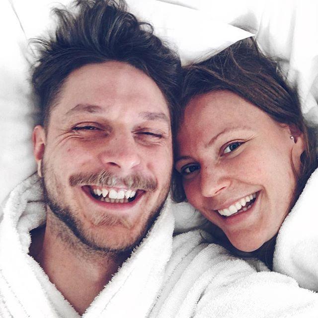 Mr. and Mrs. Pepsodent ❤️ #langvikhotel http://www.langvik.fi/