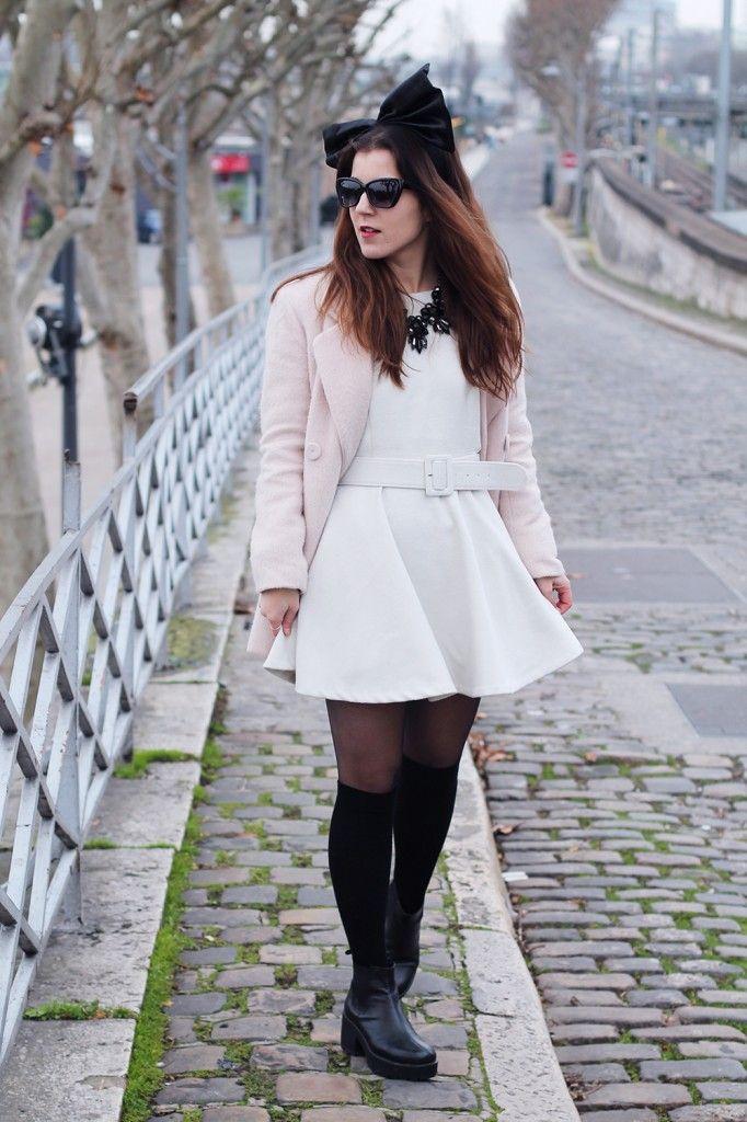 Elodie In Paris avec une robe blanche MY TOKKI