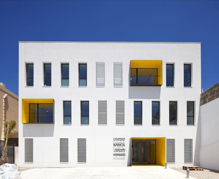 Centro de Saúde de Porreres, Maiorca, Espanha - by MACA Estudio de Arquitectura