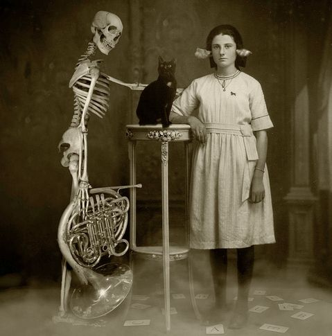 Edna was strange but no one was brave enough to tell her soCat Women, French Horns, Vintage Photos, Crazy Photos, Black White, Old Photos, Old Photographers, Black Cat, Cat Photos