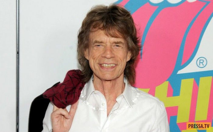 73-летний Мик Джаггер (Mick Jagger) в очередной раз доказывает, что возраст любви не помеха. Ведь 9 декабря 2016 г. фронтмен The Rolling Stones стал отцом в восьмой раз! Возлюбленная Мика, 29-летняя балерина Мелани Хамрик подарила ему сына. Pressa.   #восьмой #Джаггера #Мика #ребенок #род