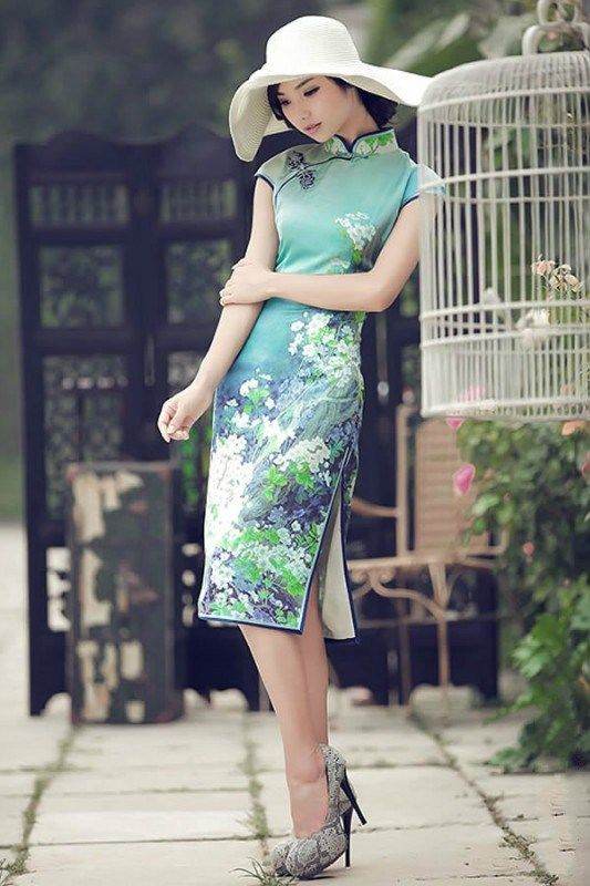 Cheongsam. Love Chinese dresses