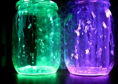 Glow stick lanterns...how cool is this? Make these at your campsite and enjoy them as the darkness falls. #rv