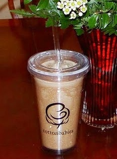 This is my absolute favorite DIY frappe / Iced Cappuccino recipe: Homemade Mixed, Homemade Frappe, Food Ideas, Frappe Mixed, Eco Friends Families, Mixed Recipes, Recipes Coff, Frappe Recipes, Diy Frappe