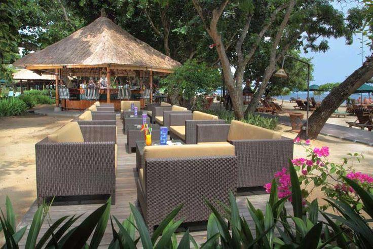 Bamboo Beach Bar & Sofa