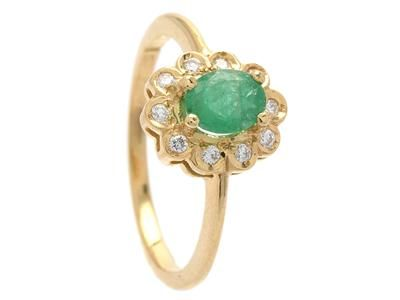 CLUSTER RING, 18K gold with emerald (cracks as reaches the surface), 10 brilliant cut diamonds 0,10 ctw, size 17 mm, weight 2,9 g