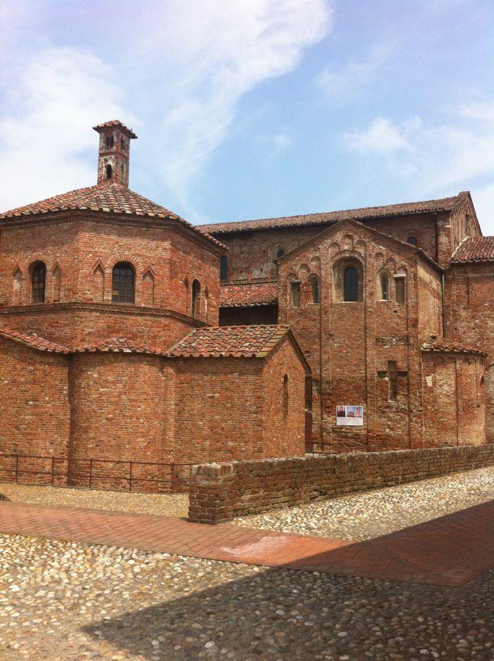 Basilica S. Maria Maggiore, Lomello
