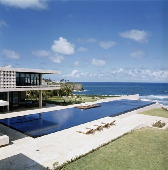This private beach house named Casa Kimball, a luxurious villa design located on the North coast of the Dominican Republic which face-to-face with awesome panorama of the Atlantic Ocean. Large terraces, swimming pool, Jacuzzi and large windows.