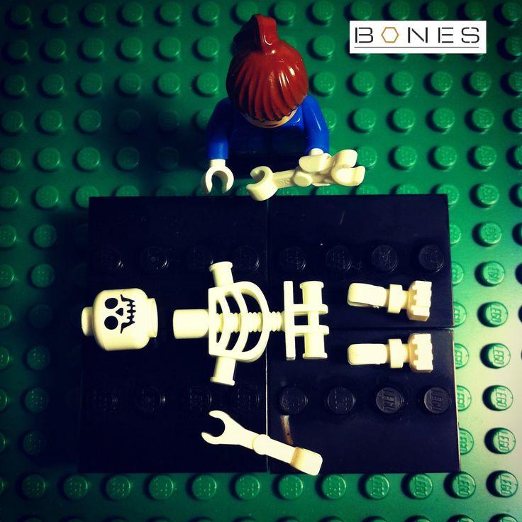 Bones (tv show) in Legos-Love this.