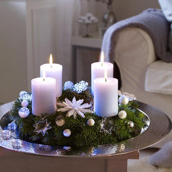 advent wreath with snowflakes