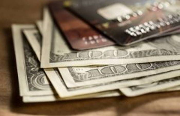 Como é calculada a cotação do dólar na fatura do cartão de crédito?