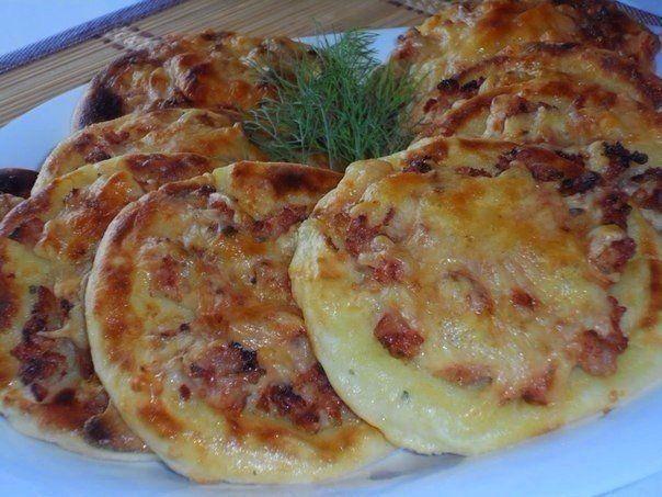 Попробуйте картофельные ватрушки с курицей…Как вам такой вариант? http://bigl1fe.ru/2017/10/23/poprobujte-kartofelnye-vatrushki-s-kuritsej-kak-vam-takoj-variant/