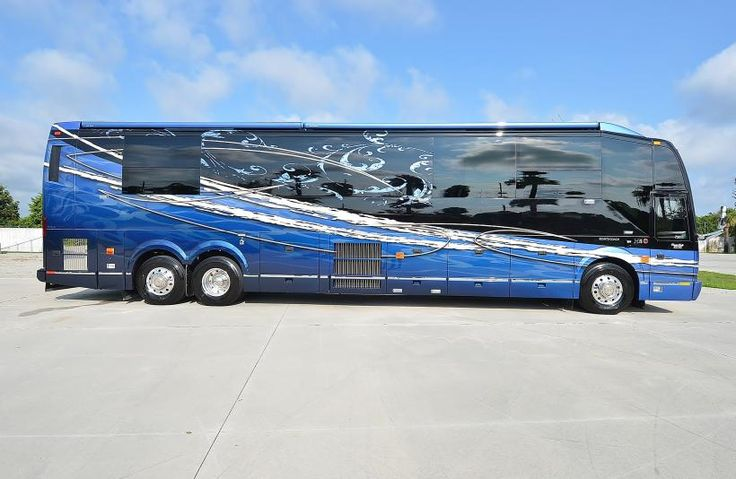2013 Liberty Coach Elegant Lady 750 Custom Coaches