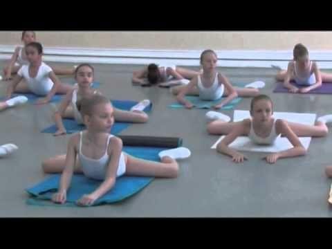 Vaganova Ballet Academy. Stretching and flexibility exercises.