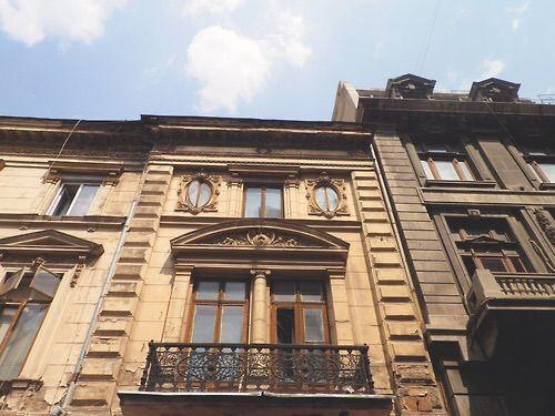 Imagine prin We Heart It #bucharest #building #city #romania #travel #spivachka