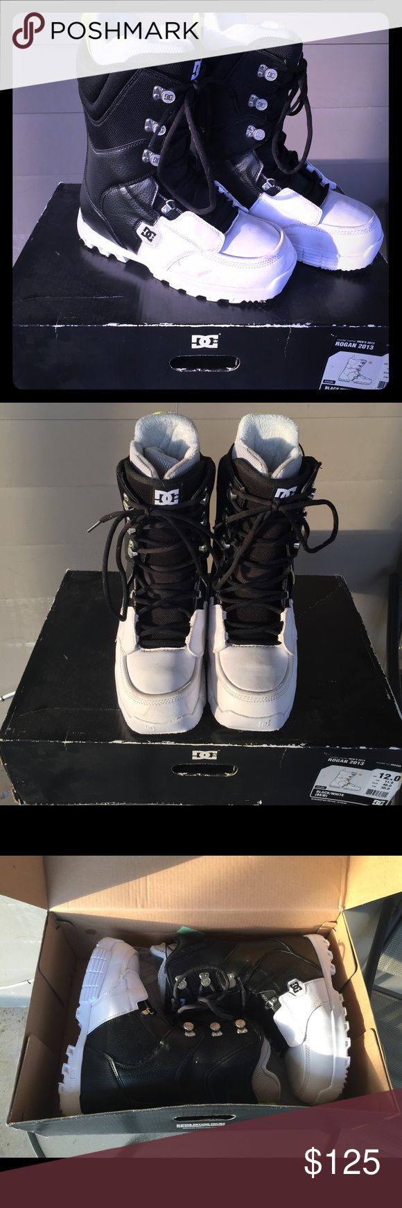 Men's DC Shoe Company Snowboard Boots DC Shie Company Rogan 2013 Snowboard Boots. Size 12 - true to size. Black/White. Worn twice while vacationing in Alaska couple years back. Slight mark on left boot but will be cleaned before shipped. DC Shoes Boots