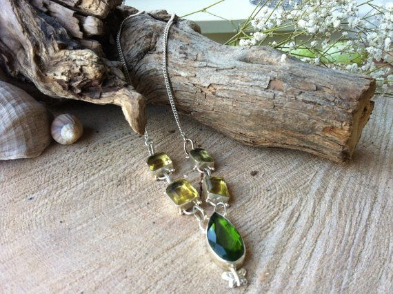 Beautiful necklace with faceted emerald and citrine