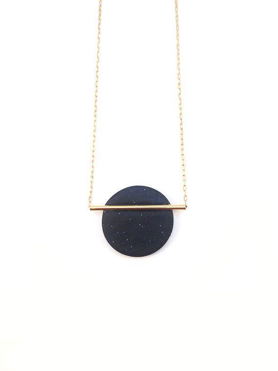 Collar de mínima geométrica. Azul oscuro. por LaGeometrieJewels