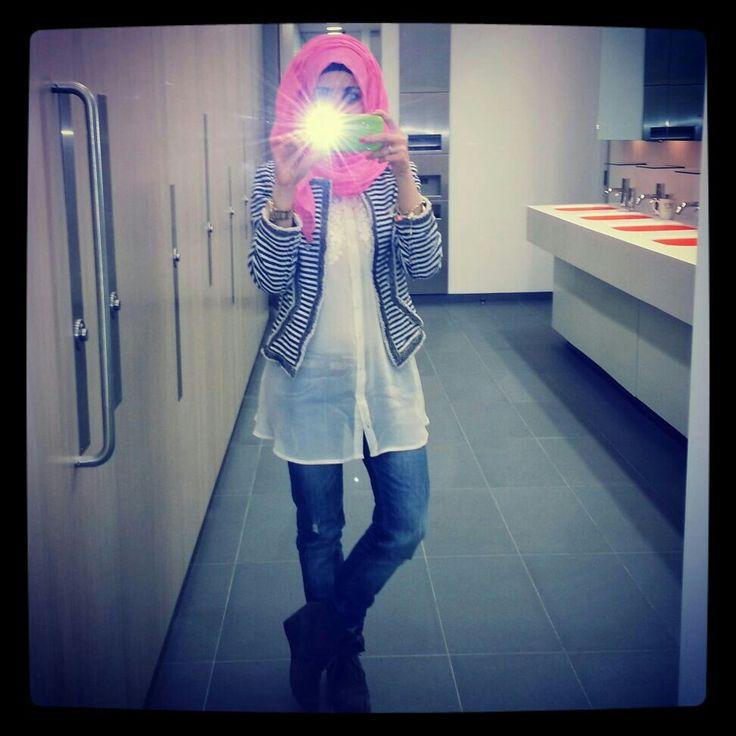 Hijab Ootd classy blue and white blazer