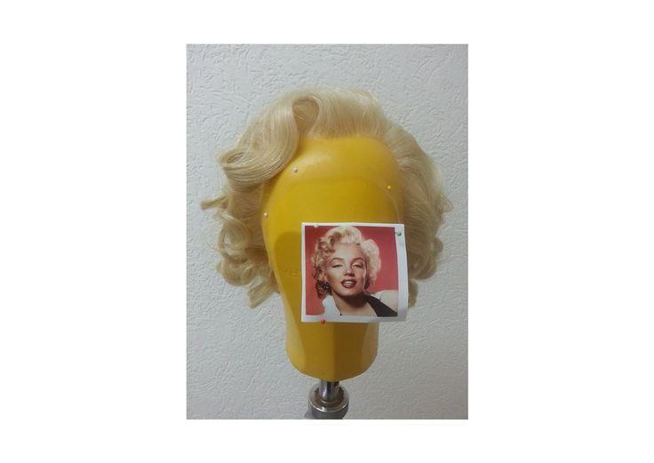 Auftragsarbeit Perückenstyling nach Kundenfoto Marilyn Monroe von Ilka Küting Fen Fire Art