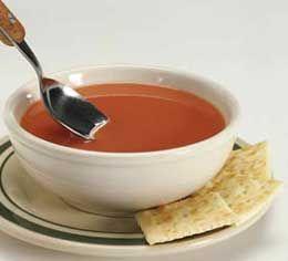 Para el caldo: 1 jarrete de vaca o de ternera (unos 400 gramos) 1 1/2 litro de agua 1 cebolla o 1 puerro 1 zanahoria unas ramitas de perejil sal (opcionalm