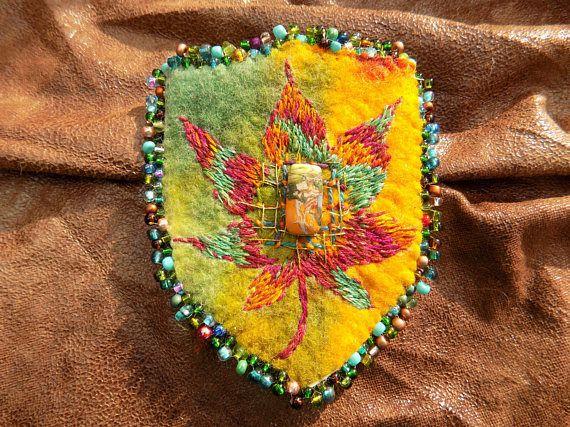 Embroidered Felt Maple leaf Pocket Brooch