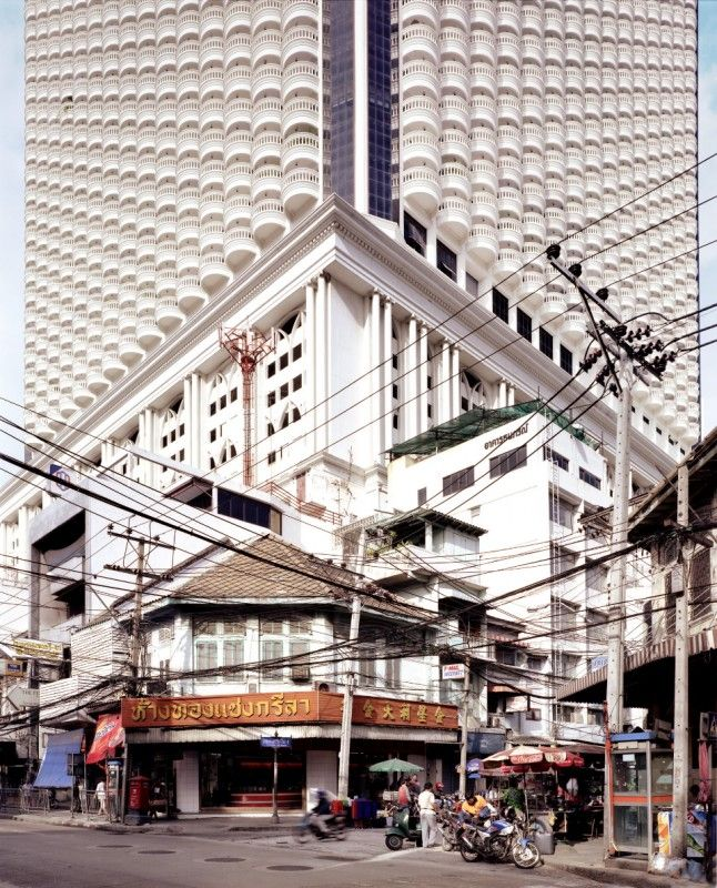 What we want_Bangkok_T24 Date : 2003 Dimension : 200 x 200 cm