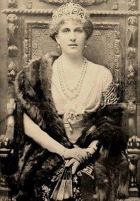 La reina Victoria Eugenia, esposa de Alfonso XIII y emparentada con la familia del Zar de Rusia.