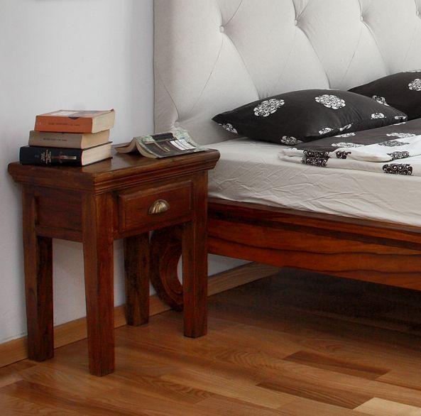 Apartament na Polu Mokotowskim -  Projekt: tryc.pl | Foto; @Jacek Kucharczyk  #bedroom #bed #nighttable #beding #upholstered #sypialnia #stoliknocny #pościel #tapicerowane #łóżko #łoże