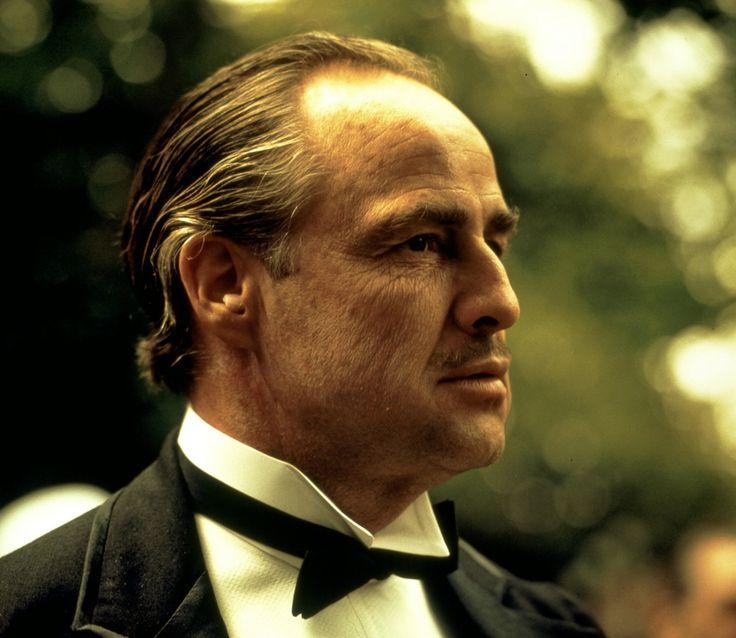 Marlon Brando dans le rôle de Vito Corleone du légendaire film Le parrain (The godfather)