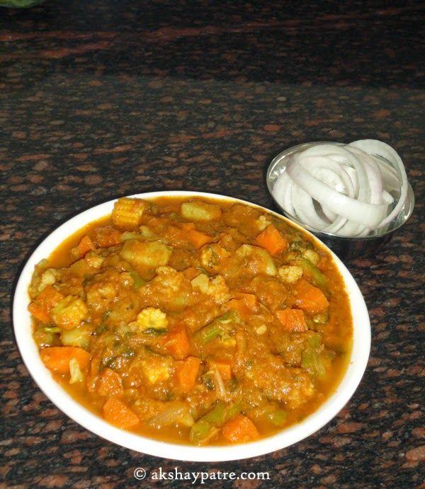 akshaypatre recipes: Mix vegetable kurma ( korma ) / tarakari kurma /  ...