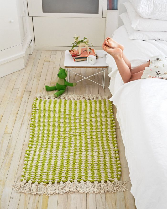 Gorgeous woven finger knit rug from Knitting Without Needles - Flax & Twine