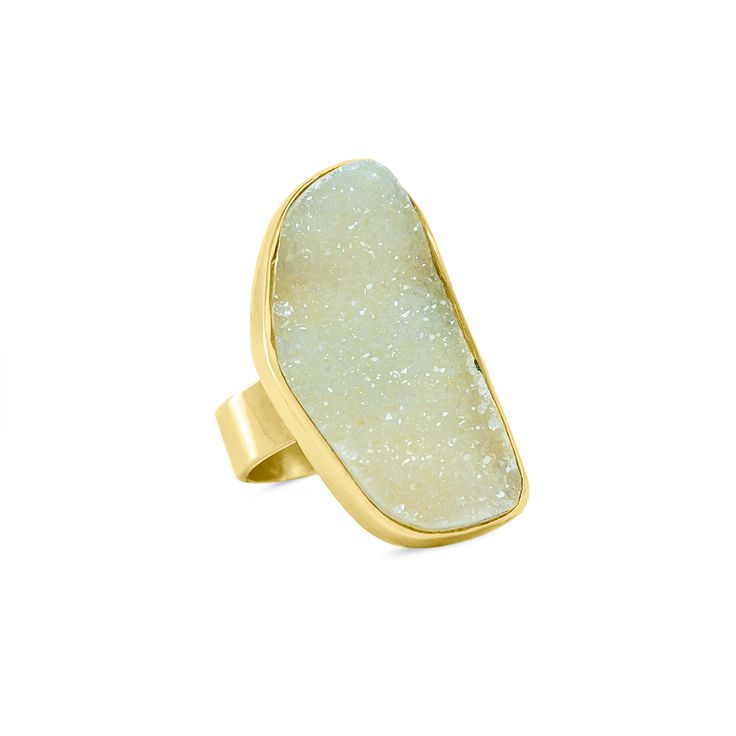 Anillo realizado en plata 950 con baño de oro amarillo 18 kt. y drussy de ágata alto brillo