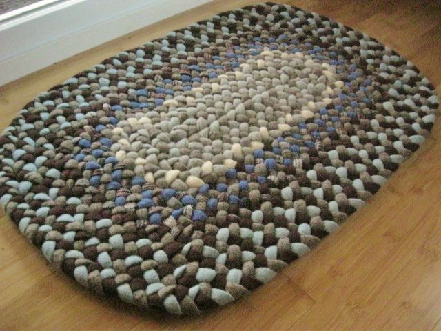 Handmade Wool Oval Braided Rug or Bath Mat in Sky Bue and Chocolate Brown    Flickr. 142 best BRAIDED RUGS images on Pinterest
